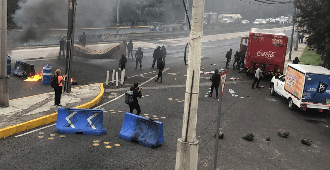 encapuchados-insurgentes-sur-cu-protesta