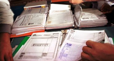 Uso de facturas falsas ahora es equiparado al contrabando, avalan diputados