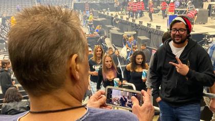 ¿Se están perdiendo los valores? Fan de Tool le pide a Eddie Van Halen que le tome una foto sin saber quién era