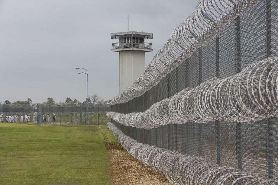 hombres-escapaban-prision-diario-whiskey