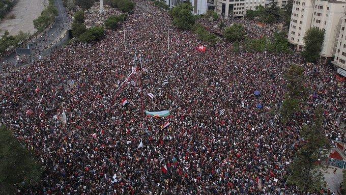 imagenes-fotos-videos-impresionante-marcha-chile-pinera-grande-que-pasa-04