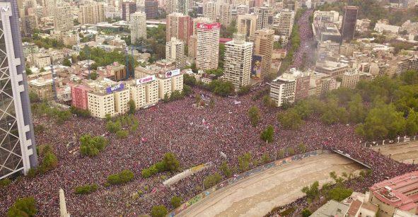 En imágenes: La impresionante marcha de un millón de personas en las calles de Chile