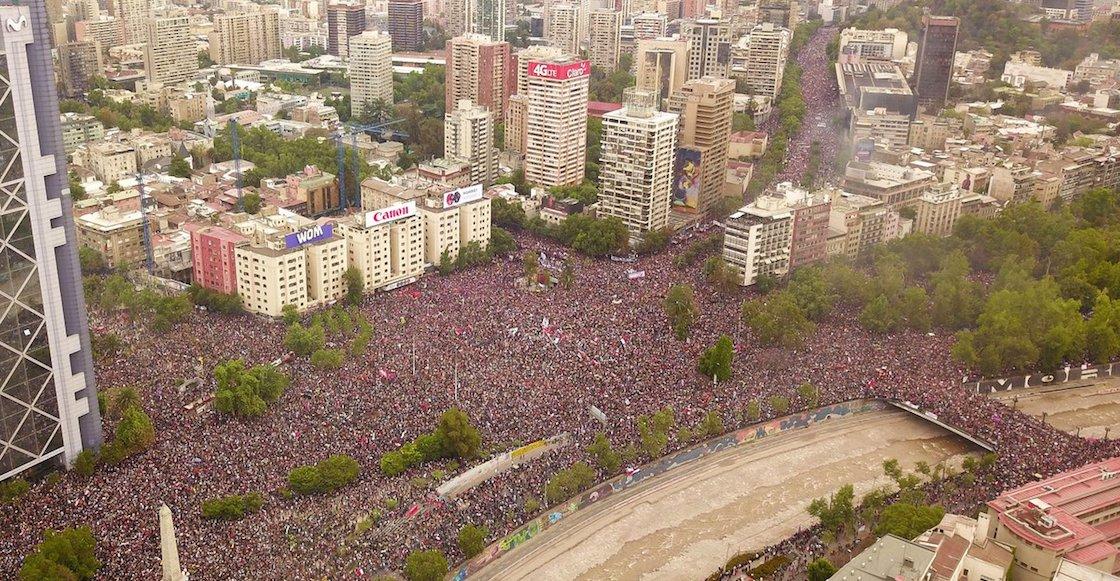 imagenes-fotos-videos-impresionante-marcha-chile-pinera-grande-que-pasa