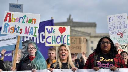 ¡Histórico! Irlanda del Norte legaliza el matrimonio igualitario y aborto