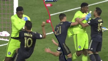 ¡Tenga pa' que se entretenga! Marco Fabián hizo gol de penal y armó la bronca con el portero del NYC