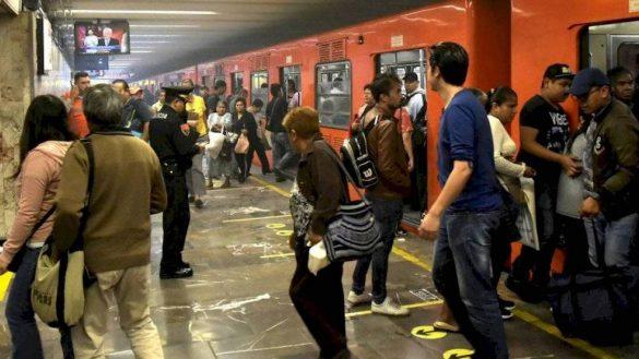 metro-hidalgo-desalojan-tren-pelea-mujeres-gas-pimienta-02