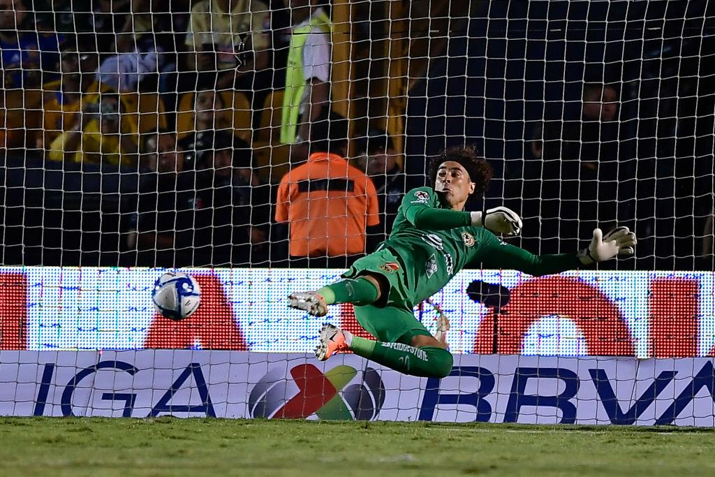 ¿Podrá Guillermo Ochoa cerrar la temporada sin recibir gol en un partido?