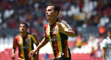 Omar Bravo marca su segundo gol con Leones Negros en sólo tres partidos