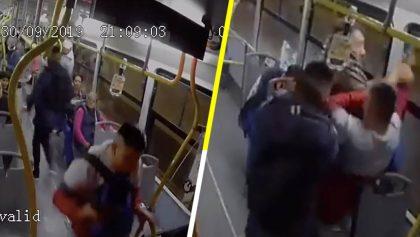 Pasajeros arriesgan su vida al enfrentar y desarmar a asaltantes en camión de la CDMX