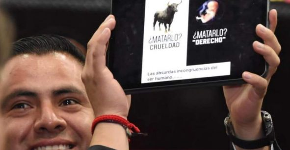 Piden expulsar de Morena a diputado Jorge Mayorga por comparar aborto con corridas de toros
