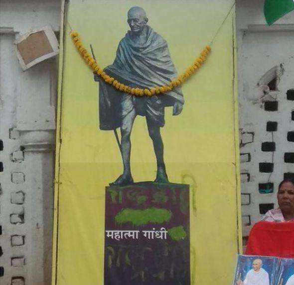 roban-cenizas-gandhi-bbc-india-cumpleanos