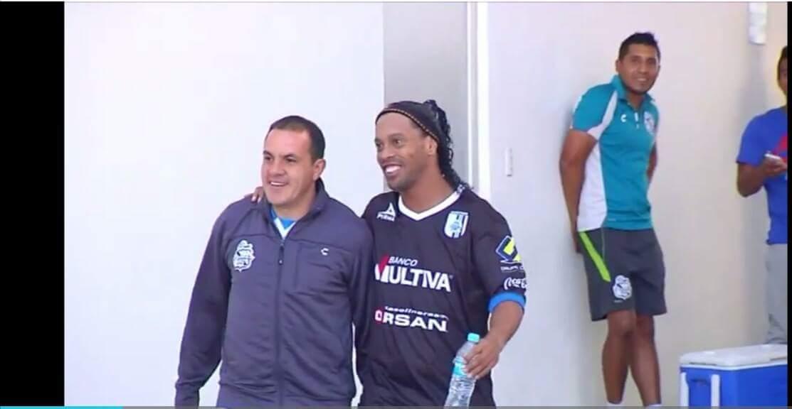 Ronaldinho y Cuauhtémoc jugarían un partido amistoso en Zacatepec
