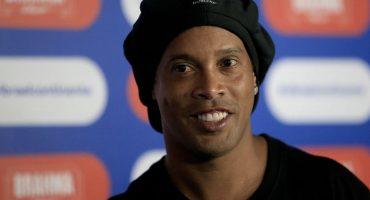 ¡No es broma! Ronaldinho volverá a México a disputar un 'último partido'