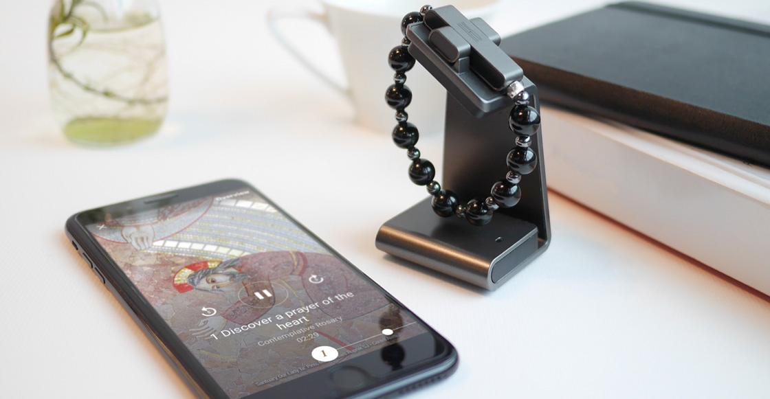 Qué mothernos: El Vaticano vende rosario electrónico para