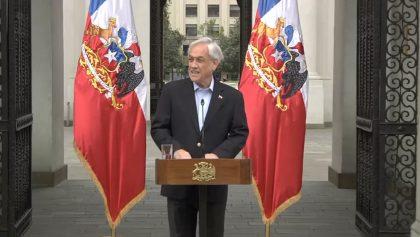 Presidente de Chile pide renuncia de todo su gabinete tras marcha multitudinaria