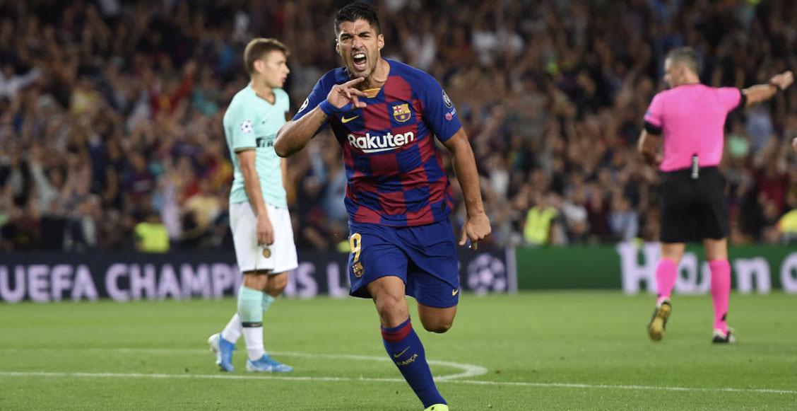 Barcelona sale vivo del Camp Nou con doblete de Luis Suárez ante el Inter
