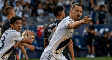 Zlatan le hace ojitos al Napoli: