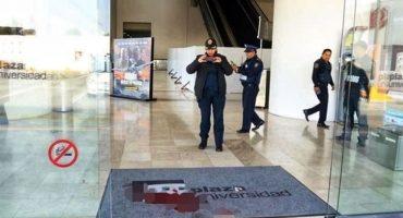 Asalto y balacera en Plaza Universidad deja un herido y un detenido