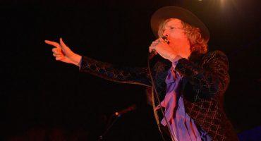 Beck nos lleva a un lugar oscuro con su nueva rola