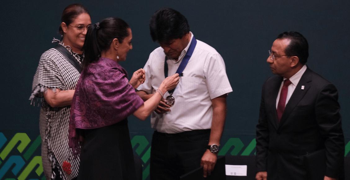 Evo-Morales-condecoración-huésped-distinguido-cdmx