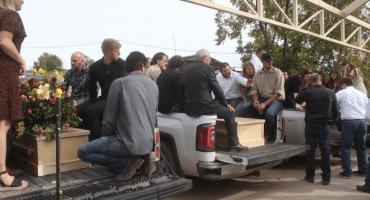 Familia LeBarón prepara caravana para poder reunirse con Donald Trump