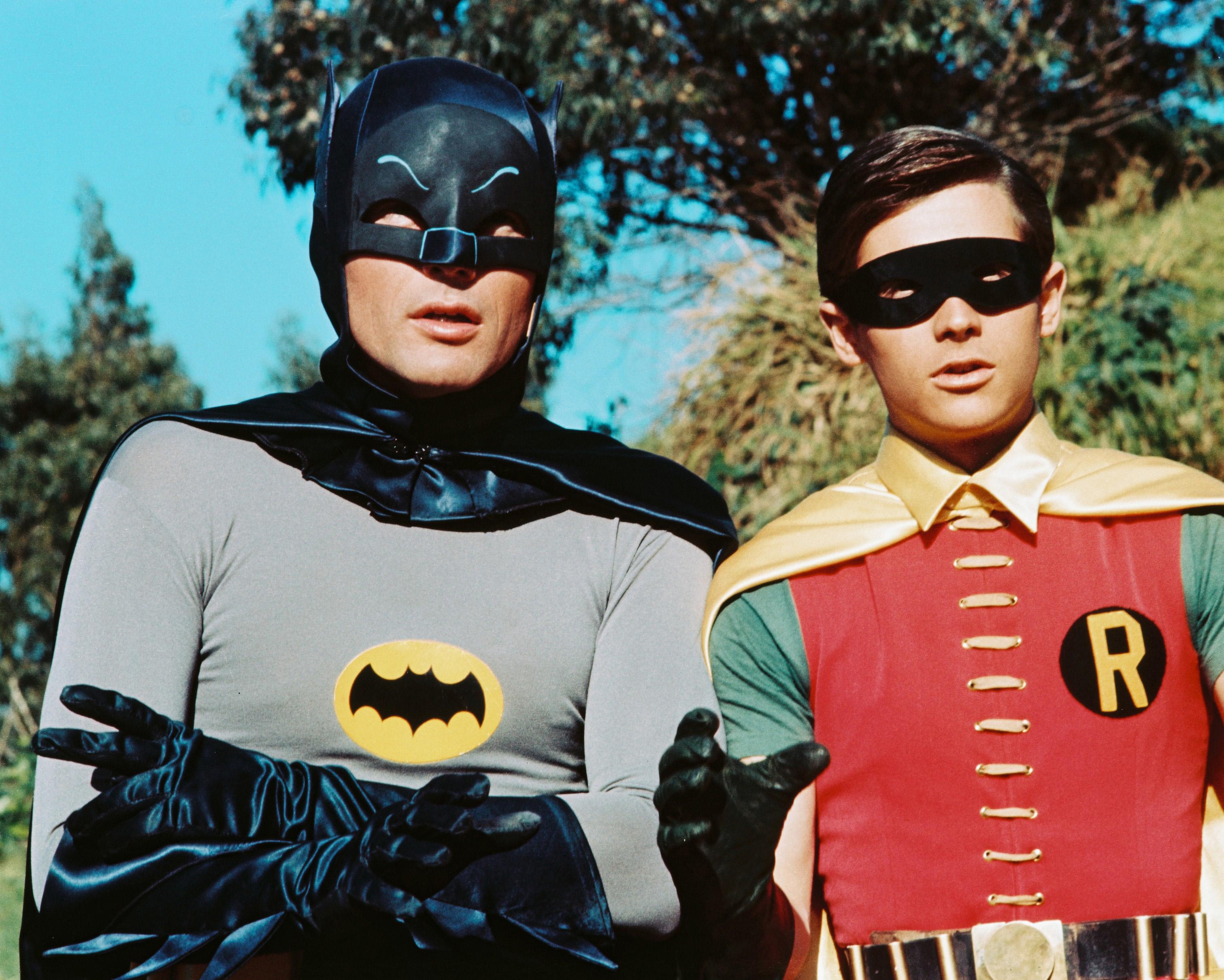 ¡Santas subastas! Los trajes de Batman y Robin utilizados en la serie de los 60 serán subastados en diciembre