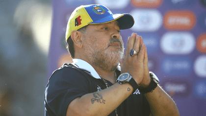 Gimnasia y Esgrima confirma la salida de Maradona