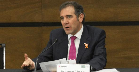 INE advierte que consulta popular sería en agosto; AMLO la quiere con elecciones federales