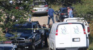 Hallan 7 cuerpos sin vida en vehículos abandonados en Jalisco