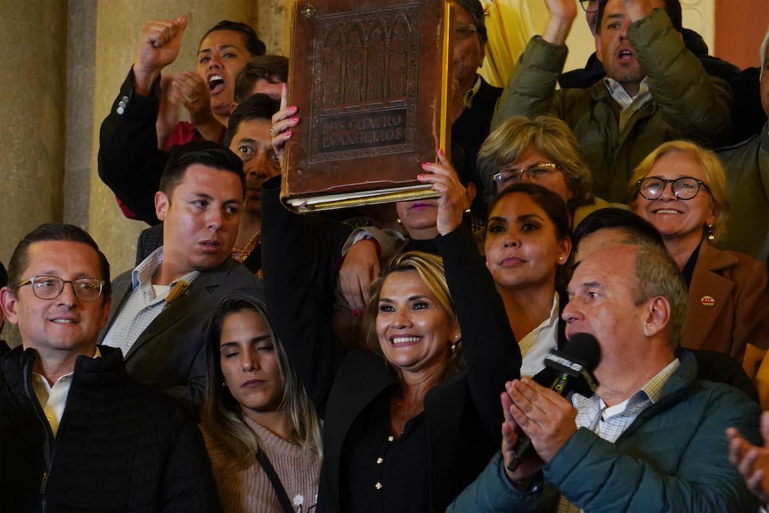 Jeanine-Áñez-evo-morales-bolivia