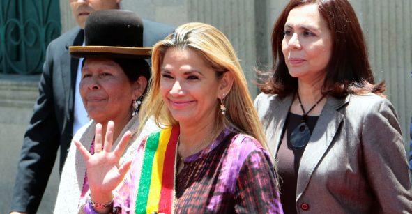 SRE evalúa reconocimiento de Jeanine Áñez como presidenta de Bolivia