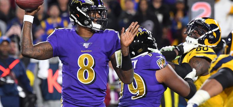 Lamar Jackson y los Ravens arrollaron a los Rams en Los Ángeles