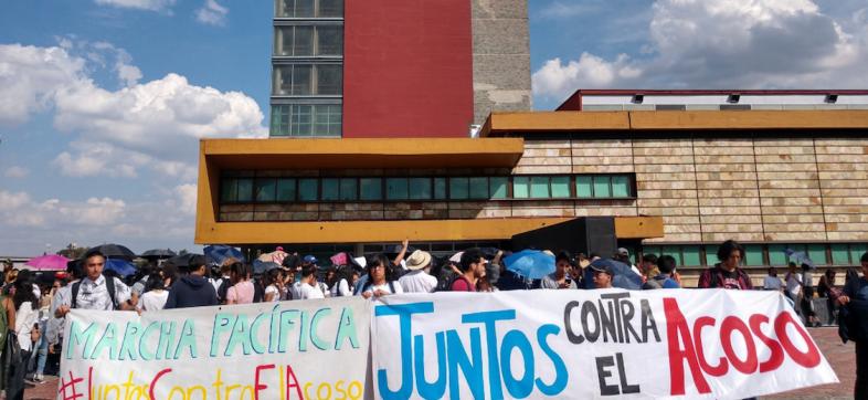 Marcha-contra-el-acoso-UNAM-rectoría