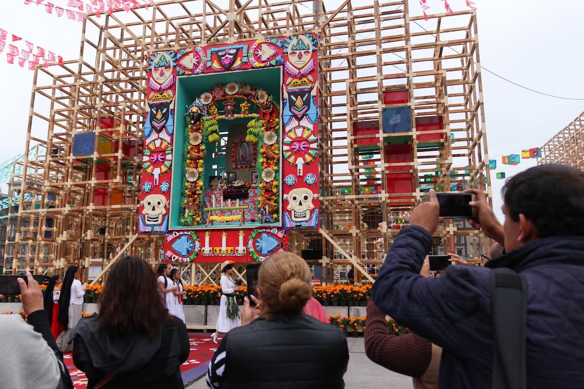 Mega-ofrenda-altar-de-altares-cdmx