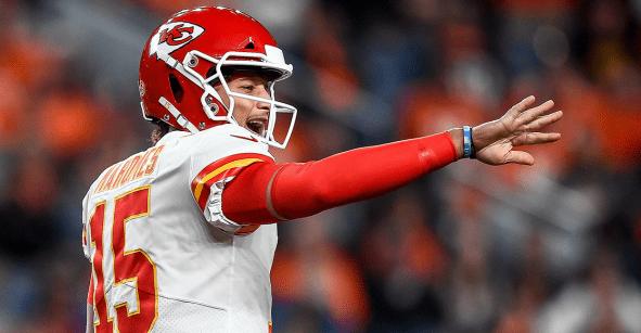 He is back: Patrick Mahomes será titular en el Chiefs vs Titans