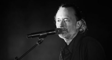 Vean a Thom Yorke tocar