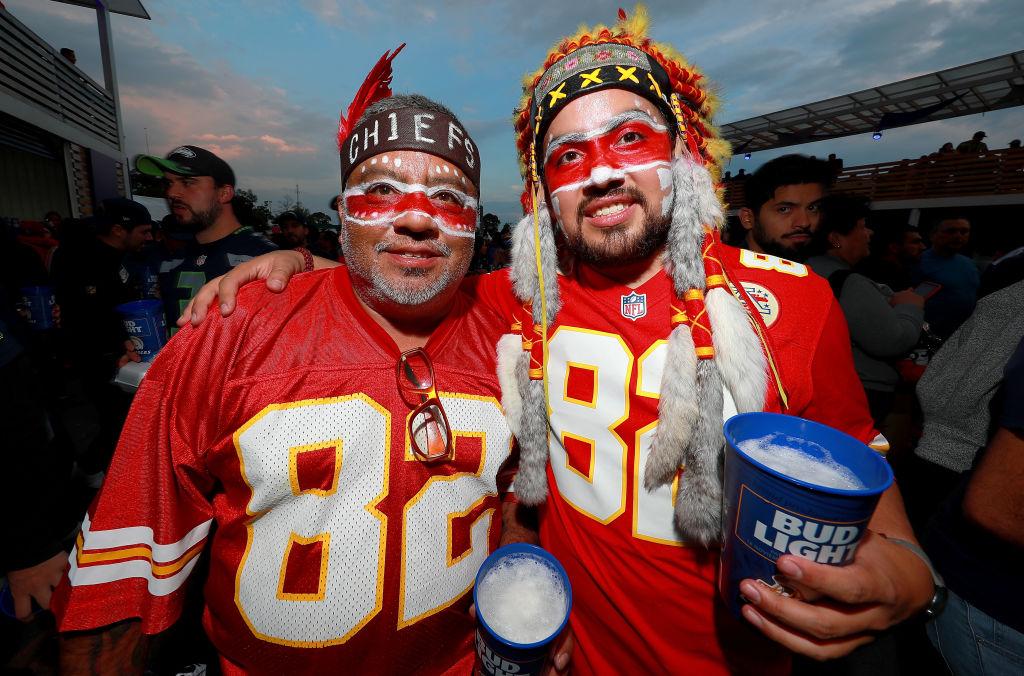 Al menos 50 asaltos fueron reportados tras terminar el Chiefs vs Chargers en el Estadio Azteca