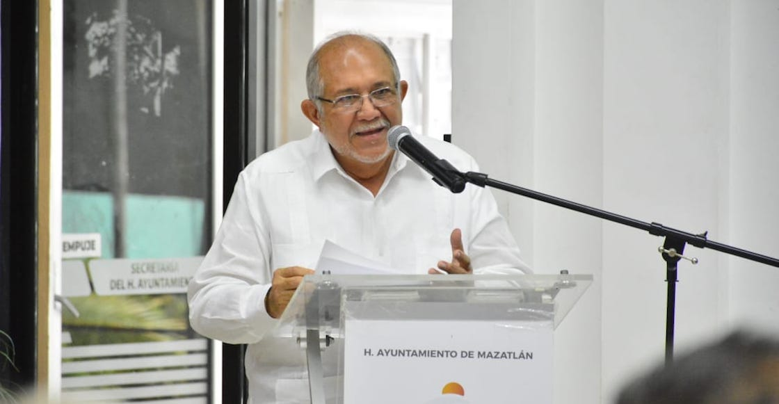alcalde-mazatlan-sinaloa-compra-camioneta-recursos-impuestos-morena-01