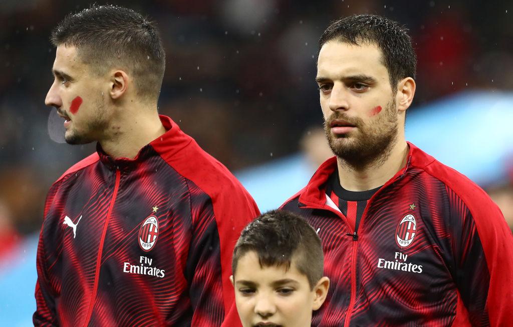 ¿Por qué el 'Chucky' Lozano, jugadores de la Serie A y árbitros se pintaron una línea roja en el rostro?