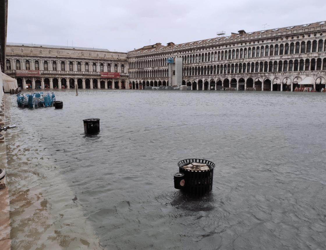 Catastrófica situación: Venecia sigue inundada y la marea continúa creciendo