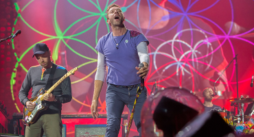 Por partida doble: Coldplay estrena videos para