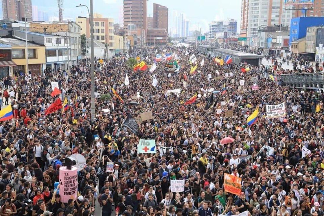 colombia-bogota-protestas-manifestacion-paquetazo-ivan-duque-tension-02