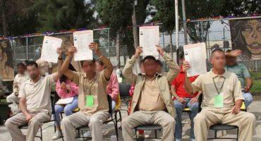 ¡Aplausos! Cuatro presos del Reclusorio Oriente se gradúan como abogados
