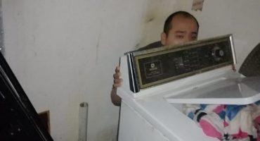 Sujeto chocó y se fue a esconder detrás de su lavadora… lo habían reportado desaparecido