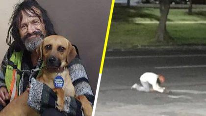 Hombre en situación de calle llora a su perrito atropellado e internet se une para ayudarlo