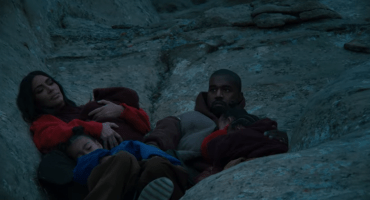 Kanye West recluta a toda su familia para el video de