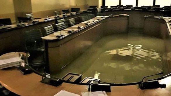 karma-inundacion-venecia-camara-rechazar-cambio-climatico-italia-01
