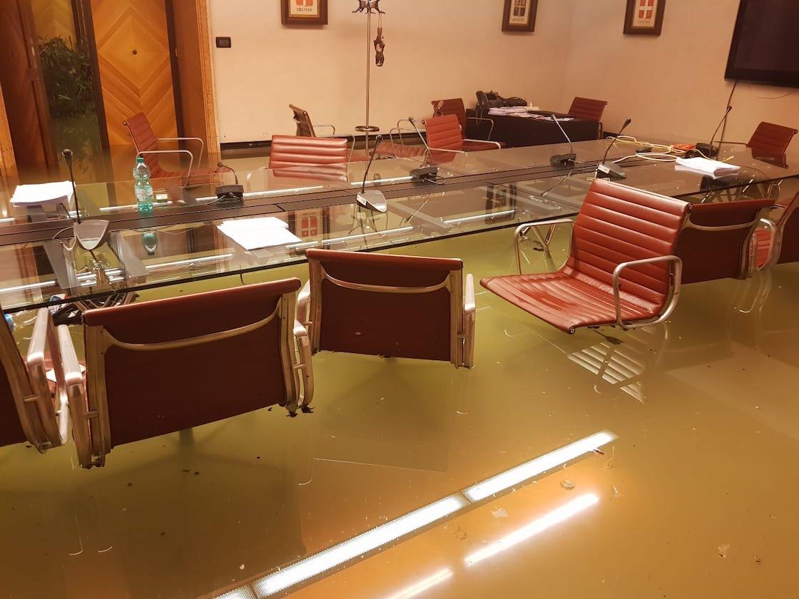 karma-inundacion-venecia-camara-rechazar-cambio-climatico-italia-03