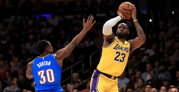 La marca que convierte a LeBron James en el rey absoluto de los triples dobles