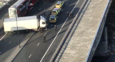 Londres: sujeto ataca a peatones con cuchillo, se reportan cinco heridos